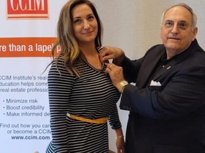 Florida CCIM Chapter Makes History As Father Pins Daughter